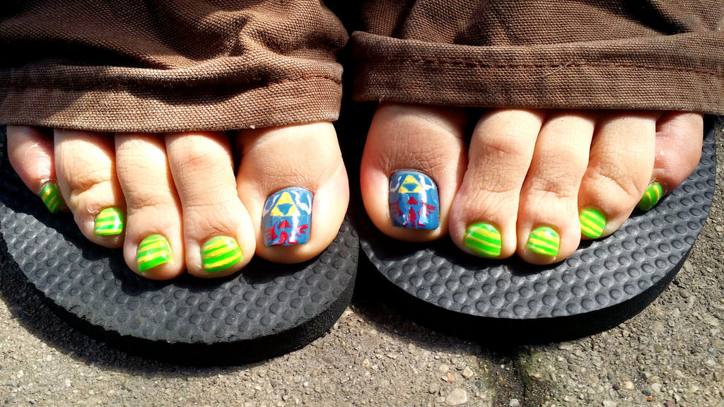 foot nail paint pedicure college girl