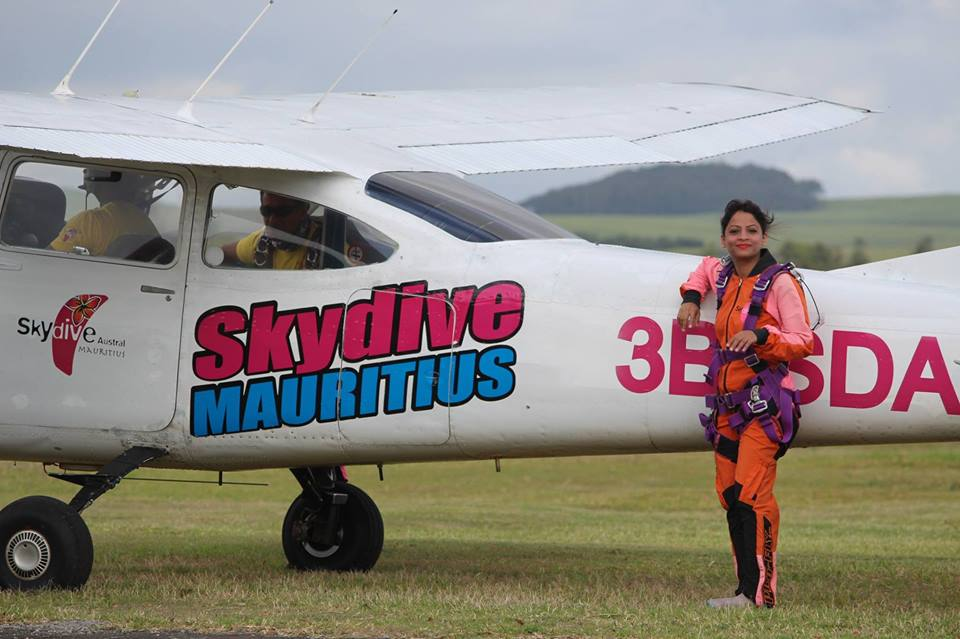 dietitian shreya flying sky aeroplane motivation girl
