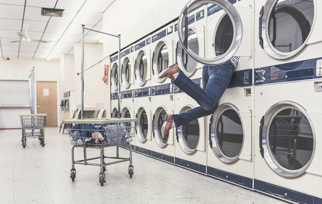 How to Start a Laundry Business {Easily}