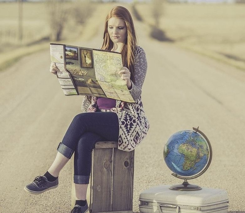 lady traveller, globe trotter, lady with bag pack